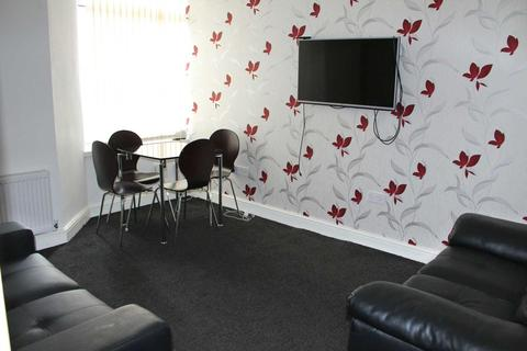 5 bedroom house share to rent - Croft Street, Salford, M7 1LR