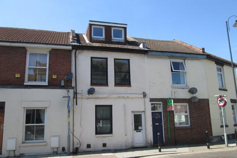 3 bedroom flat to rent - Maisonette a Lawrence Road, Southsea, PO5