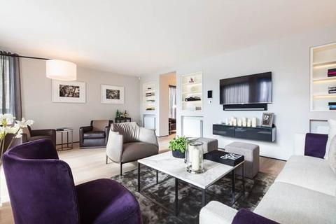 3 bedroom flat to rent - Addison Road, London, W14