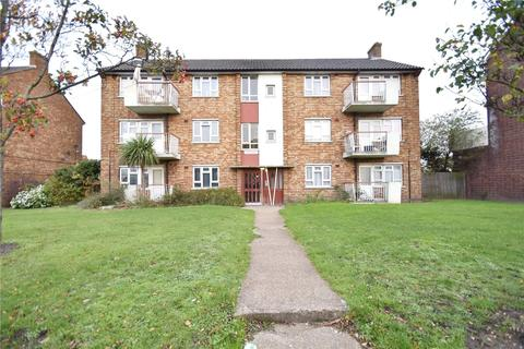 2 bedroom apartment for sale - Rainham Road South, Dagenham, RM10