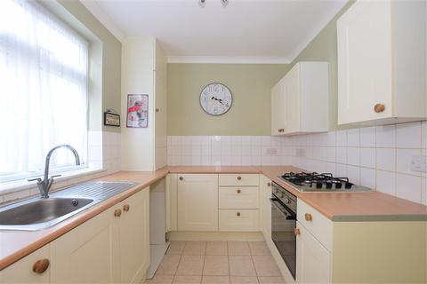 2 bedroom ground floor maisonette for sale - Cumberland Avenue, Hornchurch, Essex