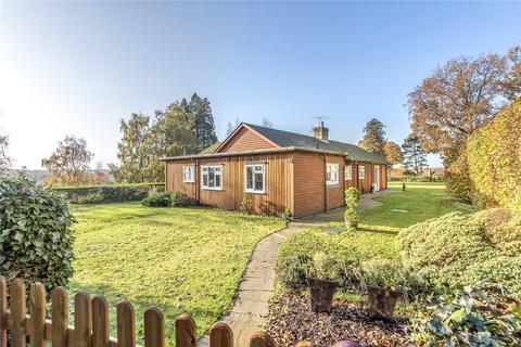 3 bedroom detached bungalow to rent - Nevill Park, Tunbridge Wells, Kent, TN4
