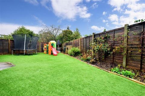 3 bedroom detached bungalow for sale - Wolverton Close, Horley, Surrey