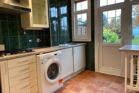 3 bedroom terraced house to rent - Green Lanes, Winchmore Hill, N21