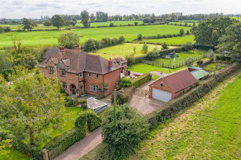 5 bedroom semi-detached house for sale - Long Lane, Haughton