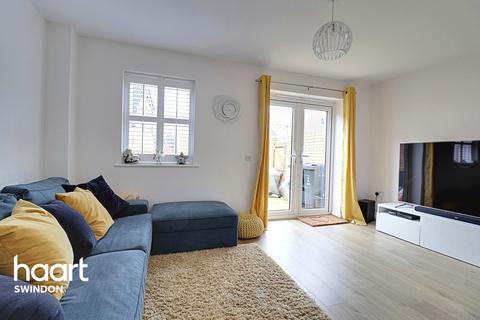 4 bedroom semi-detached house for sale - Truscott Avenue, Swindon