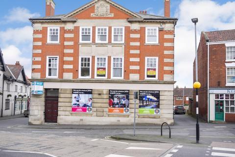 2 bedroom flat to rent - George Street, Barton DN18