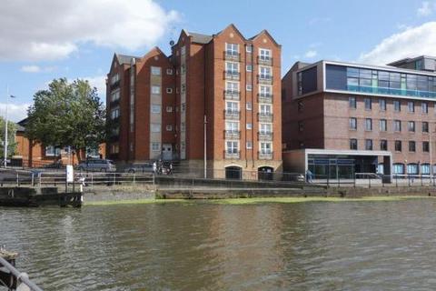 2 bedroom flat to rent - Grantavon House, , Lincoln, LN5 7WA