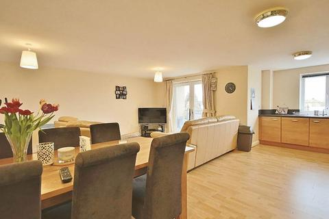 2 bedroom apartment for sale - Knightsbridge Court, Gosforth