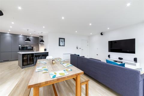 2 bedroom flat to rent - Omega Works, 4 Roach Road, London, E3
