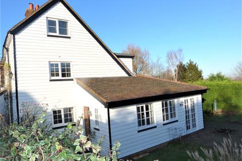 4 bedroom parking to rent - Morebreddis Cottages, Chequers Road, Goudhurst, Kent, TN17