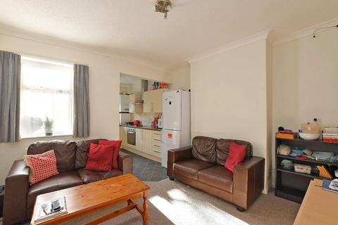 4 bedroom house to rent - 325 Springvale Road, S10 1LL