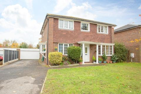 4 bedroom detached house for sale - Lerryn Gardens, Broadstairs