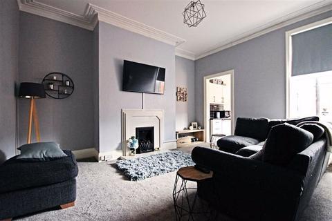 3 bedroom flat for sale - Coleridge Avenue, South Shields, Tyne And Wear