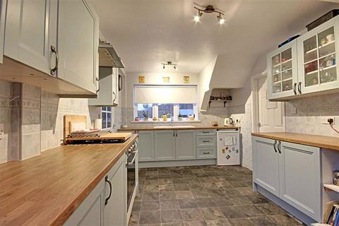 3 bedroom semi-detached house for sale - Westmorland Road, South Shields, Tyne And Wear