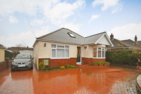 3 bedroom detached bungalow for sale - Avondale Road, Capel-le-Ferne, Folkestone, CT18