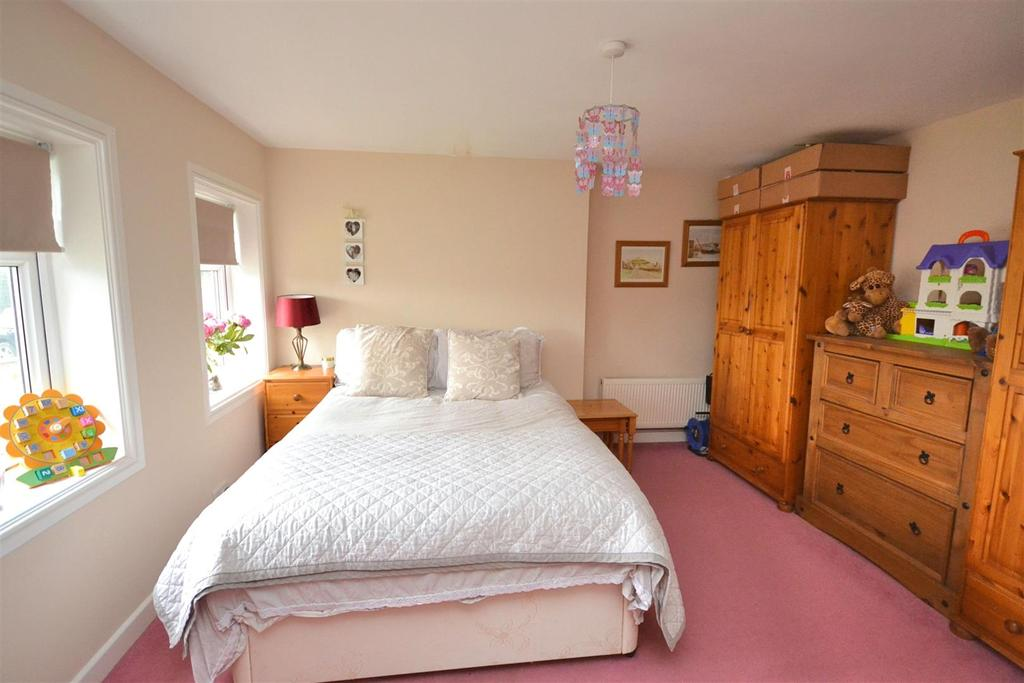 Bedroom Three (11).jpg