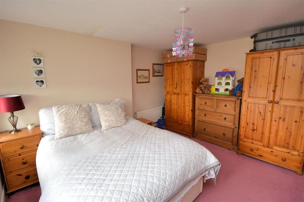 Bedroom Three 1 (2).jpg