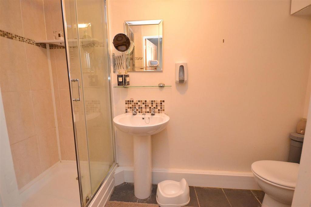 Shower Room (3).jpg