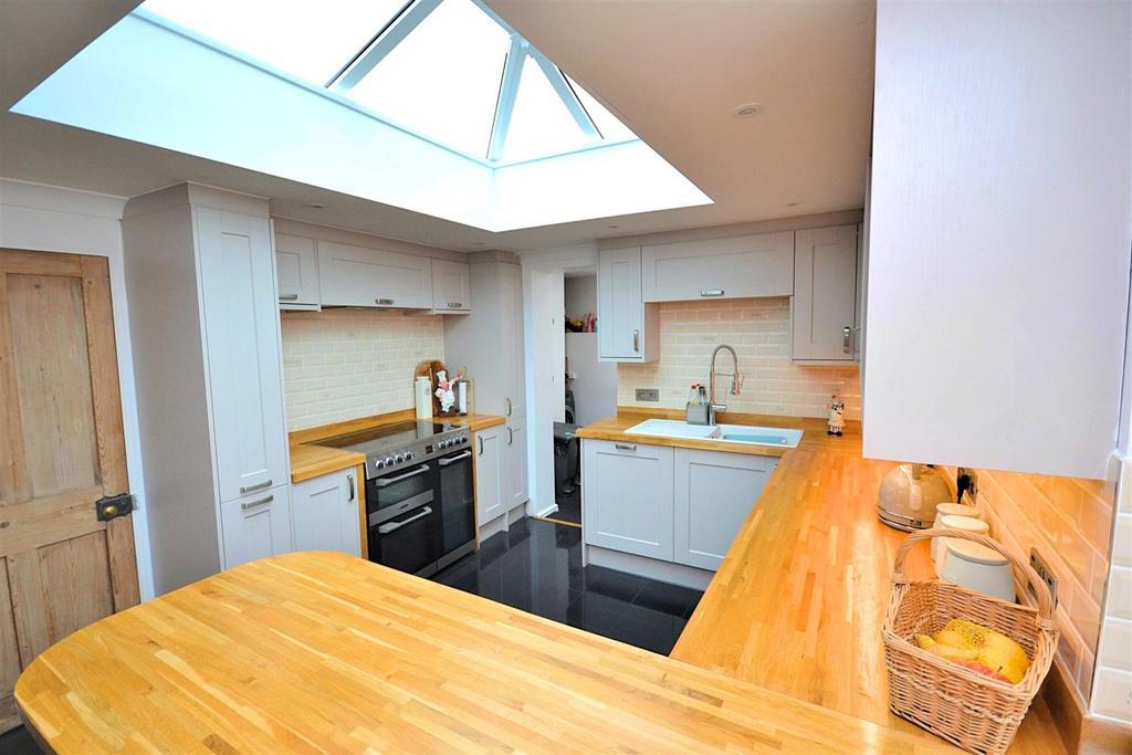 Kitchen 2 (17).jpg