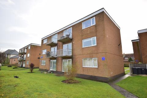 2 bedroom apartment for sale - Heyhouses Court, Heyhouses Lane, Lytham St Annes, FY8