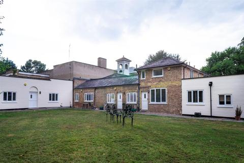 1 bedroom apartment to rent - Tower Cottages, Portsmouth Road, Esher
