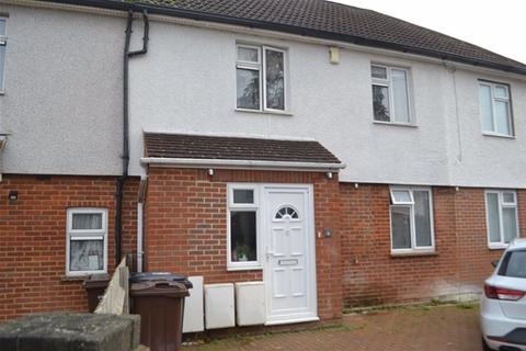 3 bedroom house to rent - Westfield Place, Harpenden