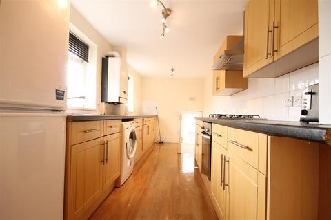 6 bedroom maisonette to rent - Helmsley Road, Sandyford