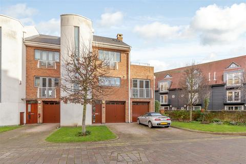 4 bedroom townhouse for sale - Tallow Road, The Island, Brentford, London