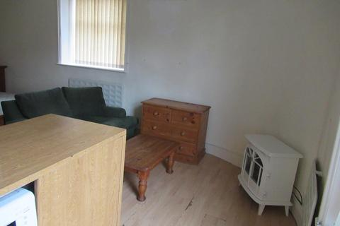 House to rent - South Road, Sheffield