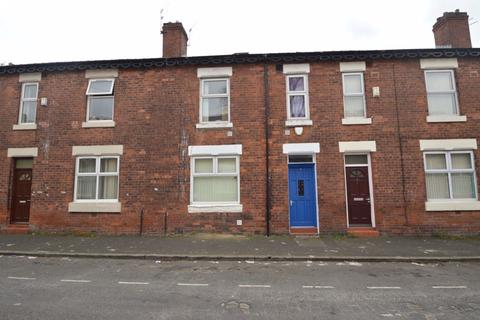 4 bedroom house to rent - East Grove, Manchester