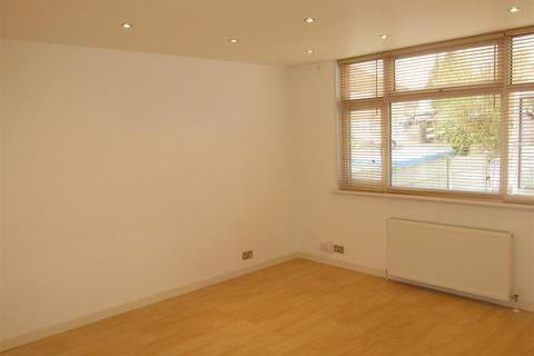 3 bedroom detached house to rent - Fraser Road, London N9