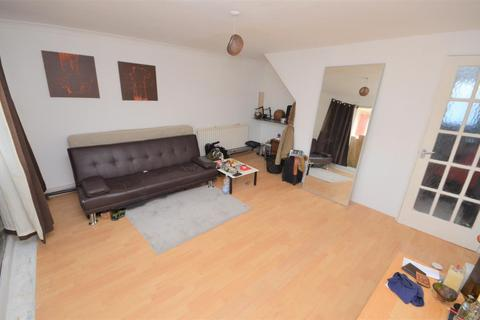 3 bedroom terraced house for sale - Dorel Close, Close to Town Centre