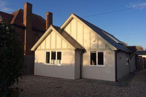 2 bedroom bungalow to rent - Kineton Road, Wellesbourne, Warwickshire