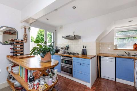 2 bedroom maisonette to rent - Fieldhouse Road, Balham