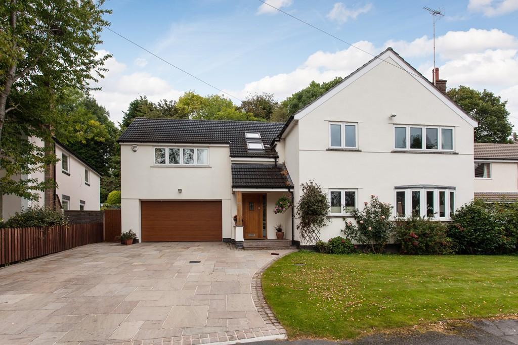 4 Bedrooms Detached House for sale in Bridge Green, Prestbury