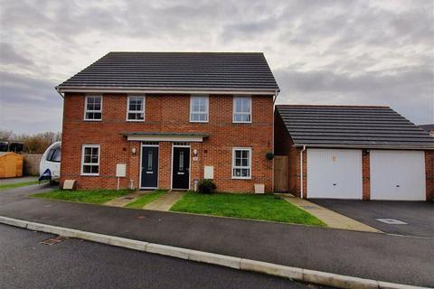 3 bedroom semi-detached house for sale - Hillcrest, Swansea, SA4
