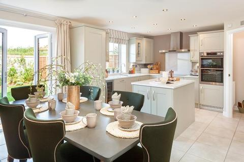 4 bedroom detached house for sale - Newport Road, St Mellons, CARDIFF