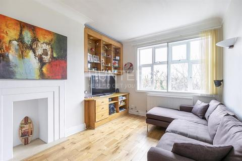 3 bedroom flat for sale - Princes Court, London, NW2