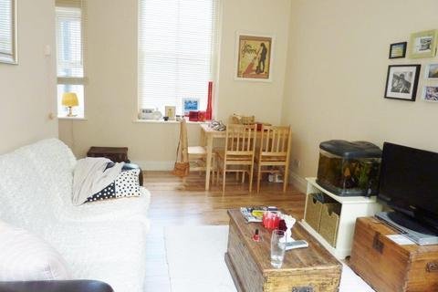 2 bedroom flat to rent - Ruhcroft Road, Brixton SW2