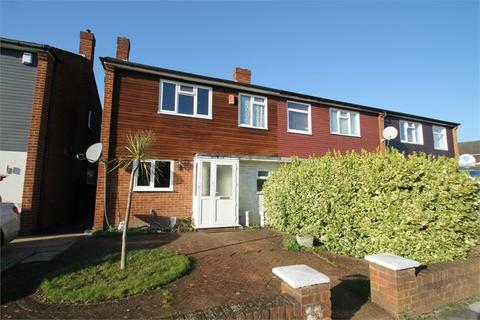 3 bedroom end of terrace house to rent - Beverley Close, N21