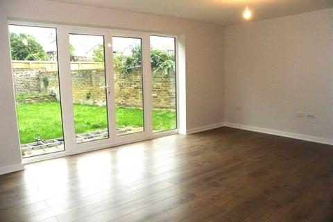2 bedroom end of terrace house to rent - Uxbridge Road, Slough