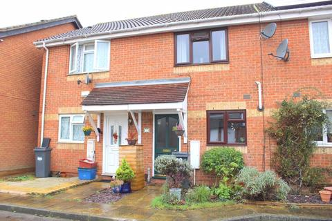 2 bedroom terraced house for sale - Pacific Close, Feltham