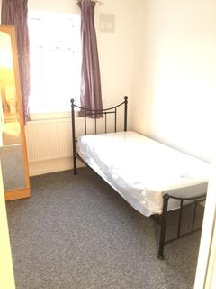 5 bedroom house share to rent - Double Room to Rent in Shared House,Lavender Avenue, Mitcham