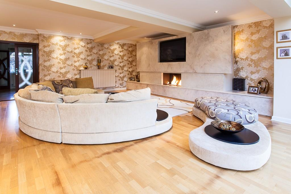 7 Bedrooms Detached House for sale in Rossmill Lane, Hale Barns