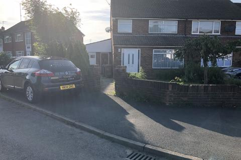 3 bedroom semi-detached house to rent - Luton, LU4