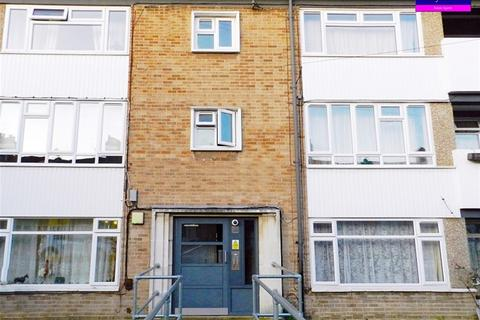 2 bedroom flat for sale - Seaford Road, Enfield, Enfield