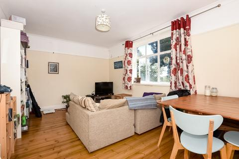 1 bedroom flat to rent - Haslemere Road London N8