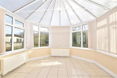 5 bedroom detached house for sale - Court Tree Drive, Eastchurch, Sheerness, Kent
