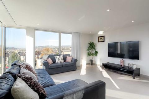 2 bedroom apartment to rent - Upper Oldfield Park